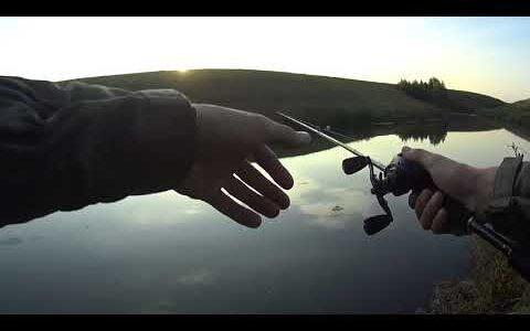 Ооо Нормальная взяла!Рыбалка на спиннинг.