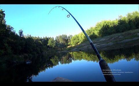 Рыбалка вечером на спиннинг.Рыбалка на малой реке в конце лета.